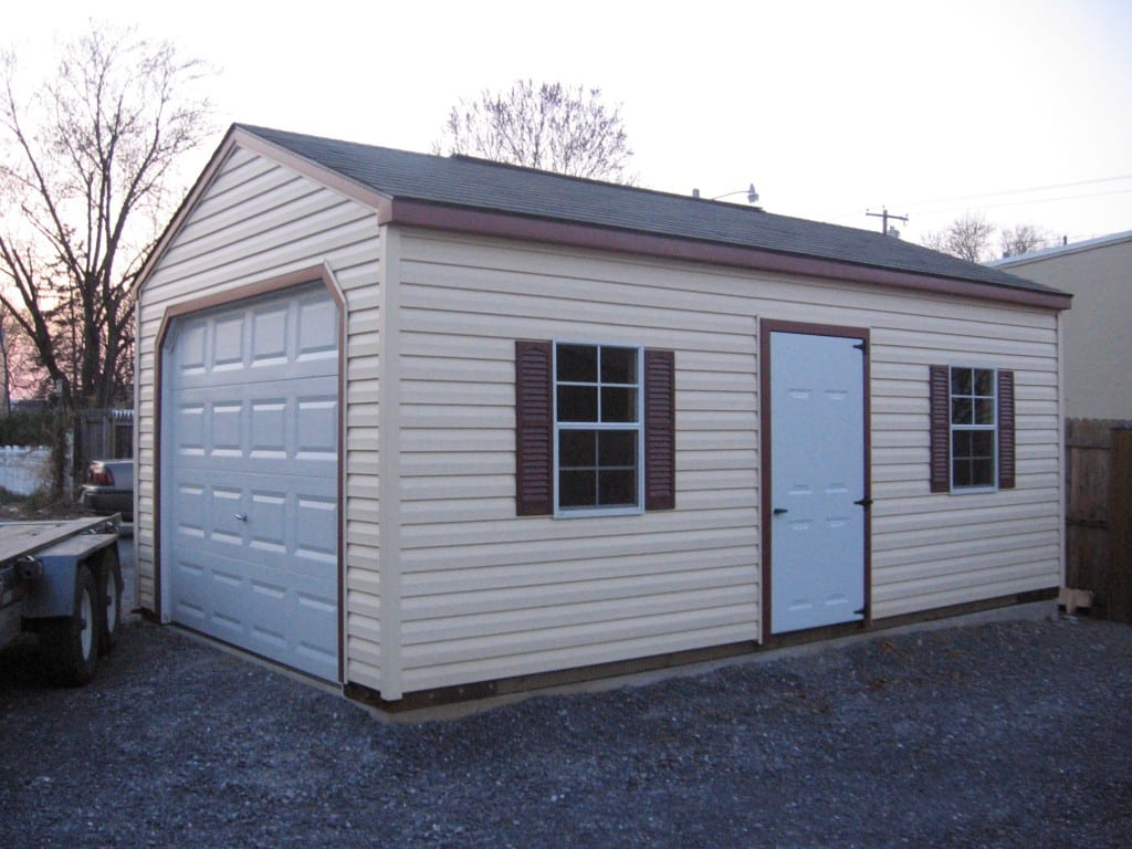 10x24-vinyl-garage-with-open-floor-on-concrete-pad