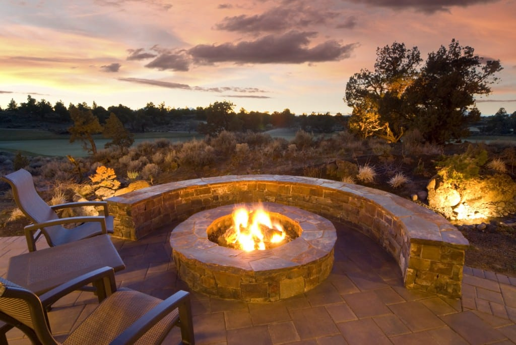 custom-fire-pit-retaining-walls