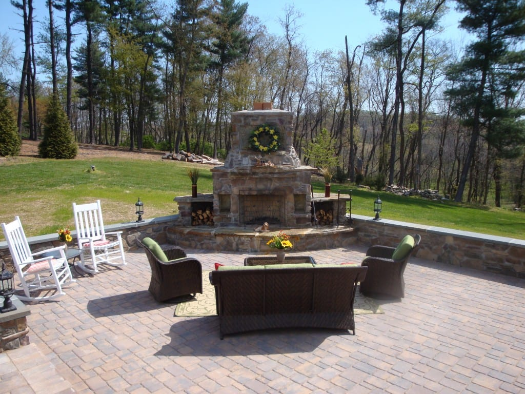 outdoor-fireplace-patios-frederick-maryland